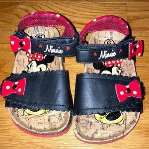 Size 6 disney Minnie Mouse sandals euc